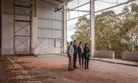 Tibério Dinis visita obras em curso de reabilitação do Pavilhão Vitalino Fagundes