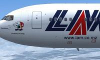 Avião da LAM forçado a interromper o voo após quebra de vidro frontal