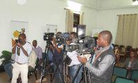 """Jornalistas moçambicanos vêem """"sombras"""" sob futuro da sua actividade profissional"""